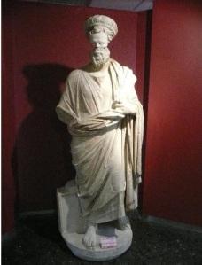4762185-Archaeology_Museum_Sculpture_Izmir
